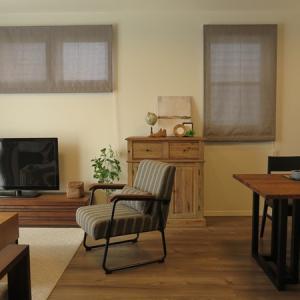 ヴィンテージ系の家具とウォールナット材の家具をミックスしたコーディネート事例をご紹介!