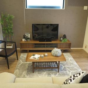 リビングの大きな広い壁には2m以上のTVボードがおすすめ!北欧デザインのおしゃれTVボードを提案