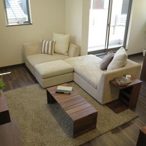 2階がリビングで階段からソファを搬入する場合は階段のつくりとソファのサイズにご注意下さい!