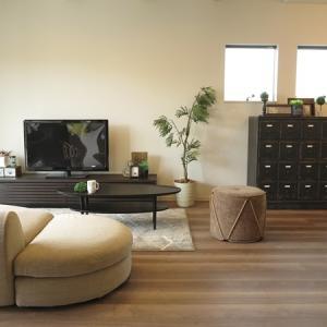 このところグレーがかった内装が増えてきた①ブラック色の家具を取り入れたコーディネート事例をご紹介