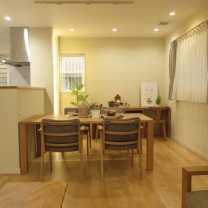 スペースや壁の広さと家具の大きさについて考えたい!幅180㎝のTVボードを設置したら…壁から…