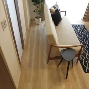 間取りに合わせて家具を選ぶ!ソファの後ろに通路が必要な場合は奥行きがコンパクトなソファを選ぶ