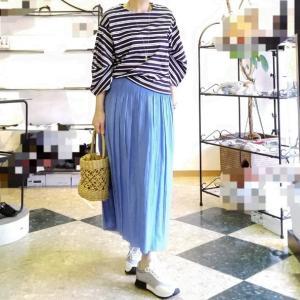 夏の綺麗めコーデ 楽でお得なリバーシブルのプリーツスカート &ゴムベルト