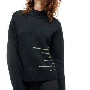 ハイネックのニットセーター 黒もキュートなcop.copine
