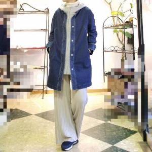 デニムのロングジャケットはミックスコーデのヘビーローテーション