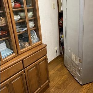 【年末のお掃除】冷蔵庫の下も。。
