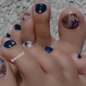 ボタニカル青めフットネイル