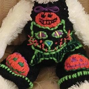 ハロウィンのお洋服作り4 ♪ シュネーバルの衣装は大きな魔女ネコちゃん!