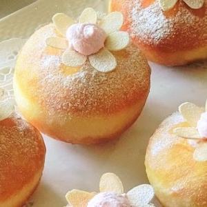 レシピ*お花のいちごクリームドーナツ ♪ 母の日、イースターに ♪