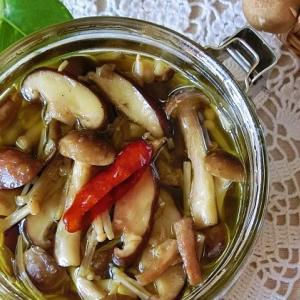 レシピ*パスタ&おつまみ用、きのこのオイル漬け