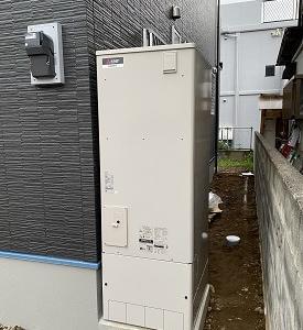 三島市内新築現場でエコキュート設置工事!