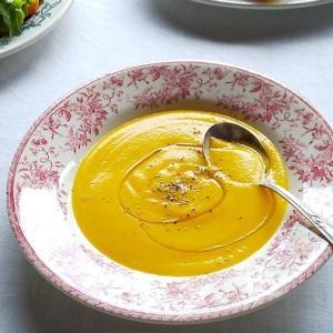 人参のポタージュスープと、ひよこ豆のフムスでパンランチ♪