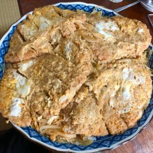 【長野県佐久市】名物1kg超カツ丼!大盛りをさらに2倍盛りで堪能!!〜李紅蘭さん〜