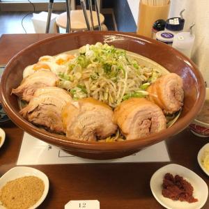【長野県佐久市】今度は5kgの油そば!味変が楽しい巨大な一杯!!〜麺屋花の名さん〜