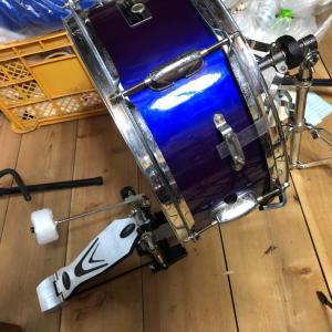 【チャレンジ】ハーマンで購入の中古スネアドラムを左足で美空ひばり「愛燦燦」ギター弾き語り動画に