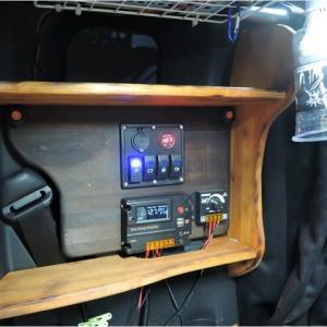 車内棚板の設置(その2)