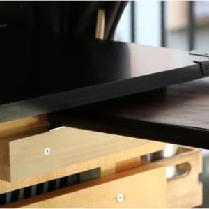 車内テーブルの固定方法