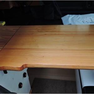 折り畳みテーブルとカーテンレールの変更(N-VAN)