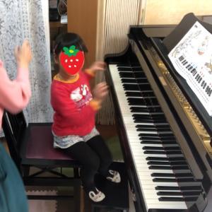 5歳さん、「毎日ピアノに行きたい!」(動画)