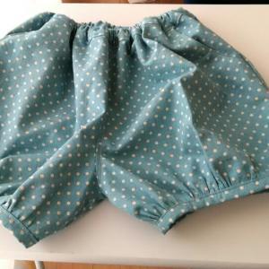 『女の子のシンプルでかわいい服』ふっくらパンツ♪
