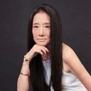 デザイナーのヴェラ・ウォン本当に70歳?インスタグラムで腹筋披露