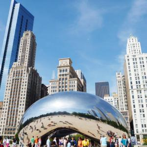 シカゴ市が他州からの旅行者に対し14日の隔離をはじめます。
