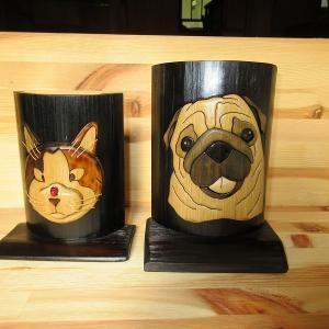 竹クラフト パグ2作目と三毛猫の寄り目