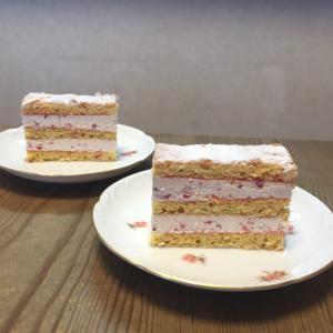 シンプルに見えるケーキこそ手間ひまかかっているんです♡春の苺のケーキレッスン