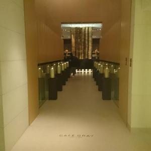 香港島サイドからのうっとり夜景スポットバー The Upper House Cafe Gray Deluxe @金鐘