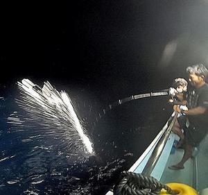 イカ釣り漁を手伝ってきた~海屋