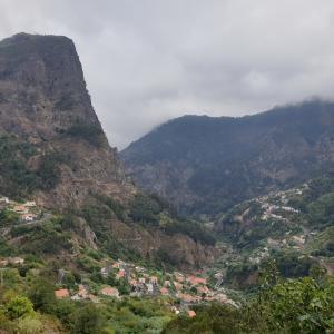 谷底に潜む不思議な町、マデイラ島のCurral Das Freiras