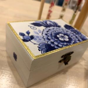 デコパージュレッスン 〜木箱にデコパージュ〜