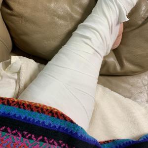 痛みに耐える1週間。筋断裂。