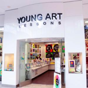 【アメリカで誕生日会】モールの中にあるアート体験教室で!
