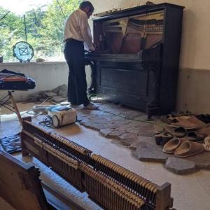 森ピアノが息を吹き返す瞬間。