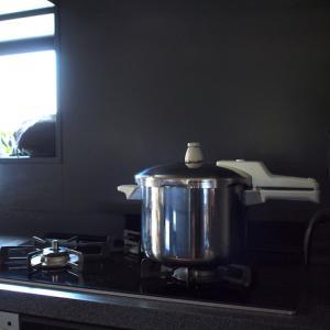 ごはんを炊くのは炊飯器派?鍋派?片づけのプロ13人のもの選びを紹介〜片づけ収納ドットコム掲載のお知らせ〜