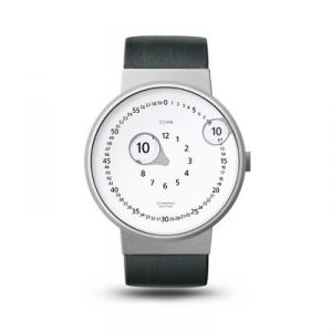 指すのではなく、拡大して時間を示す、腕時計。