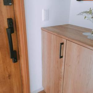 下駄箱扉の活用方法~印鑑収納やペン収納スペースを作る