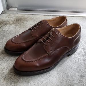 スーツにもデニムにも似合う革靴 クロムエクセルレザーのユーチップ THE HARVEY