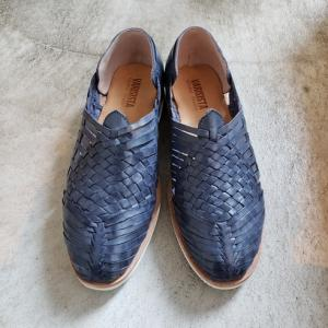 大人の夏カジュアル靴 ネイビーのグルカサンダル MOGU