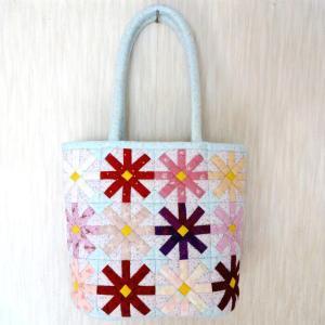 コスモスのバッグと花バッグ