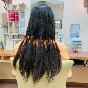 *割と多めで少しくせ毛で、、、、。*