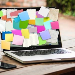 雑記ブログと特化ブログどっちにしよう…「雑誌ブログ」という選択肢をみつけた!