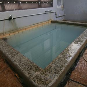 【別府市】堀田温泉 生目温泉~真っ白な単純泉!優しい温泉で幸せ気分