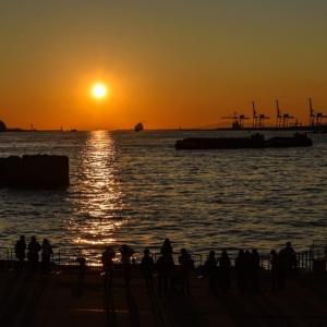 南港:天保山からの夕陽は・・・見事でしたが❣️ポイントを間違えてしまつたのかなぁ❓