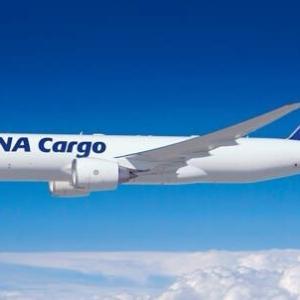 ANA貨物専用機初の欧州進出 新型コロナで臨時便 巨大キャパ「ボーイング777F」を投入