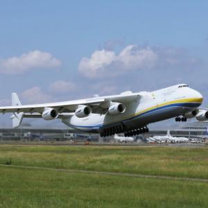世界最大の貨物機 An-225‼️ 動画をQRコード作成❗️上手く反映してるでしょうか❓ 迫力があるけど・・・