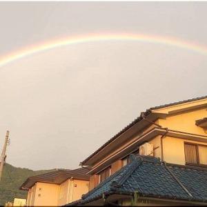 今朝は、キレイな大きな虹が見れましたようですねぇ(^.-)☆