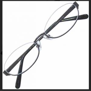メガネを買いに…