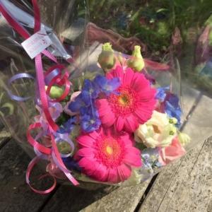 お花を買って!